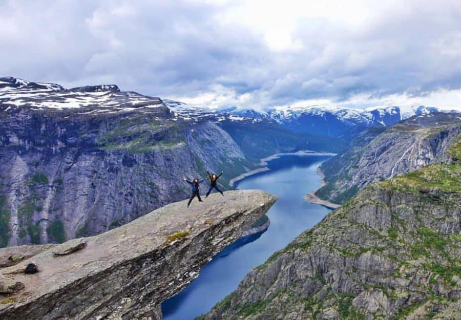 Tips for hiking trolltunga | MVMT Blog